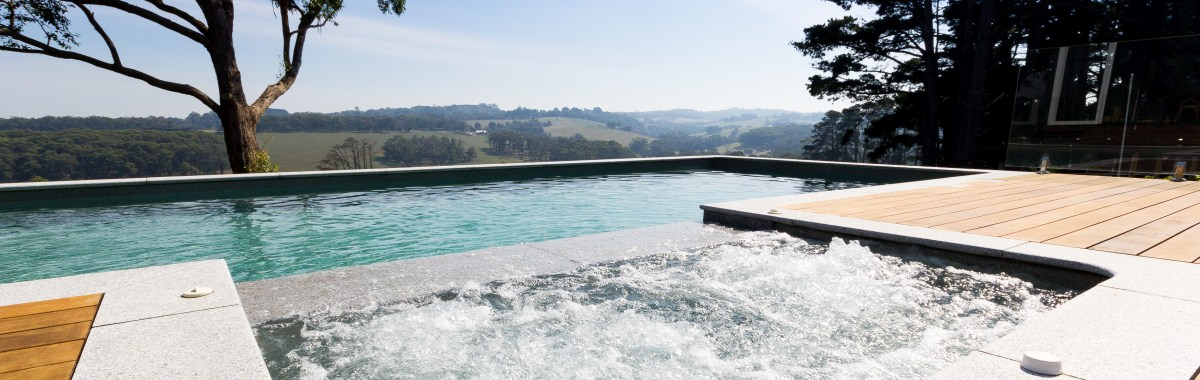 Bgs pools and Spas Building Fibreglass Pools in Bendigo Victoria Swimming Pool Prices