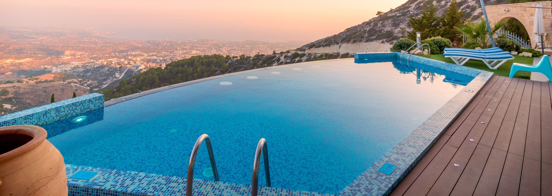 bgs pools and spas prices of fibreglass and concrete swimming pools ...