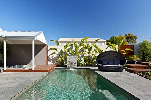 Compass fibreglass pools - Bi-luminite pool colour Beach