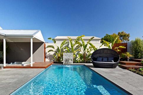 Compass fibreglass pools - Bi-luminite pool colour Sapphire